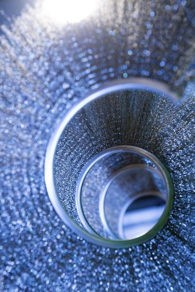 Eine wendelförmige Bürste im Inneren des Feinstaubabscheiders sorgt für den zuverlässigen und wartungsarmen Betrieb. (Bild: Andrea Fabry/KIT)