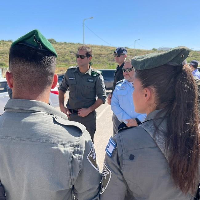 Grenzpolizisten am Kontrollpunkt nahe Dschenin