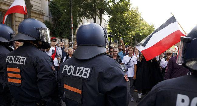 Foto: Demonstierende gegen Corona-Regeln in Berlin am 29.8 2020